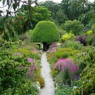 Crathes Garden by lwatmore