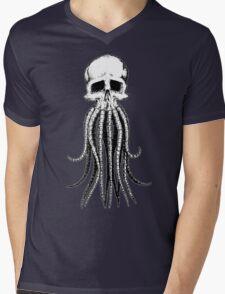 Skull octopus/davy jones Mens V-Neck T-Shirt