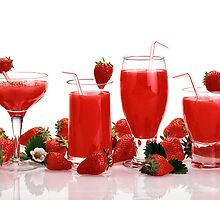 cool and refreshing red strawberry juice and strawberries by PhotoStock-Isra