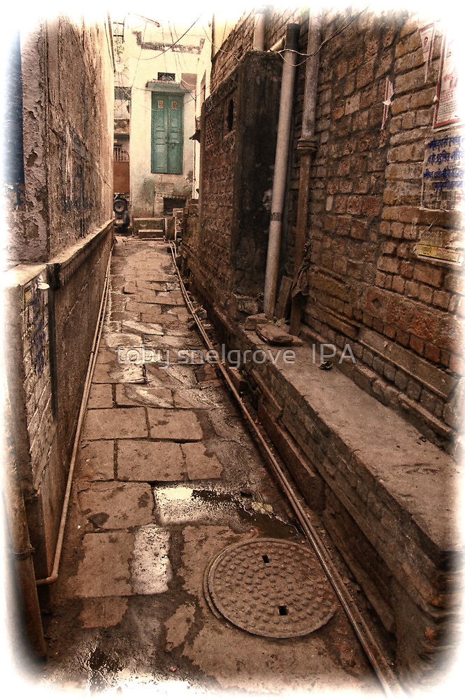 Back Streets of Varanasi, India by toby snelgrove  IPA