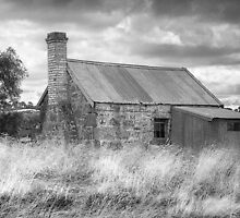 Abandoned home by Roger Neal