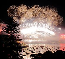 Finale - New Years Fireworks Sydney by Anthony Ogle