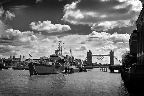 H.M.S. Belfast and the Olympic Rings, London by EdPettitt