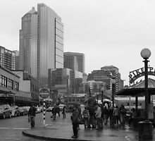 Pike Place (b&w) by zumi