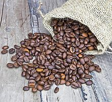 Coffee beans by Joana Kruse