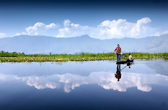 Dal Lake, Kashmir by krisgriffiths