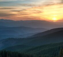 Sunset over mountains by ultramarine-ua