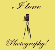 I love photography - Box Accordion Camera with antique wooden tripod One Piece - Short Sleeve