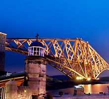 Lighthouse on Forth Bridge by Simon Kirwin