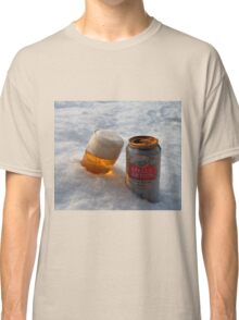 Beer in the snow Classic T-Shirt