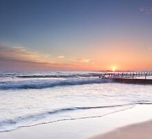 Good Morning - Newport Beach NSW by Andrew Kerr