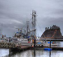 Misty harbour by zumi