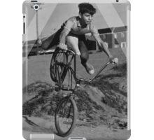 OVERFIFTEEN WHEELIE iPad Case/Skin