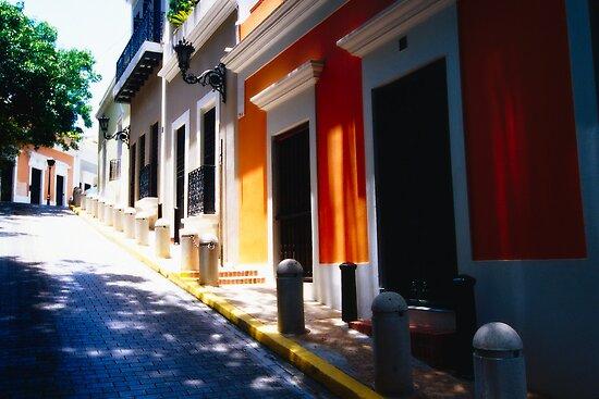 Calle De Sol by George Oze