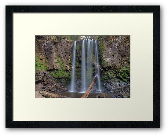 Hopetoun Falls by Julie  White