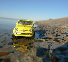 Fiat 500 on the beach by monsieurI