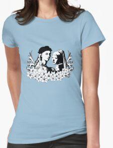 Loving is an art T-Shirt