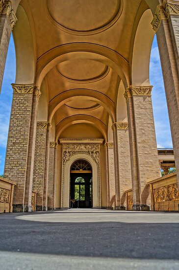 beautiful columns, HDR Photo by Alexander Drum