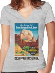 Vintage poster - Zion National Park Women's Fitted V-Neck T-Shirt