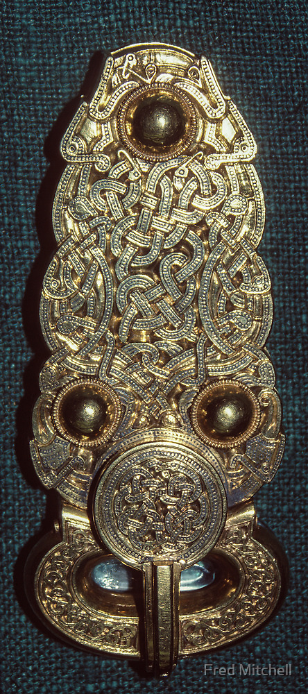 Sutton Hoo Gold clamp 625 630 AD 198402120037 by Fred Mitchell