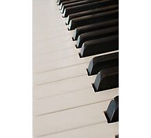 piano keyboard at angle Photographic Print