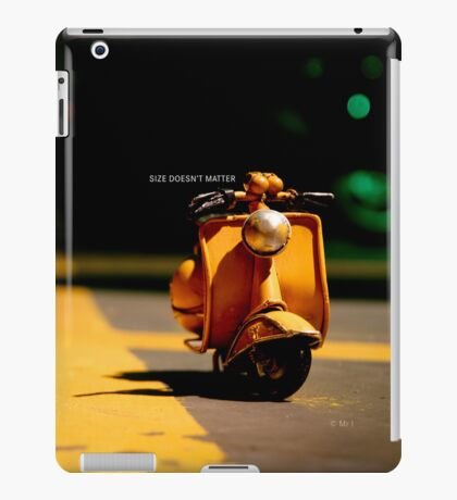 Size doesn't matter iPad Case/Skin