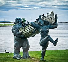 Saaremaa Giants bringing in the fish by Sue Martin