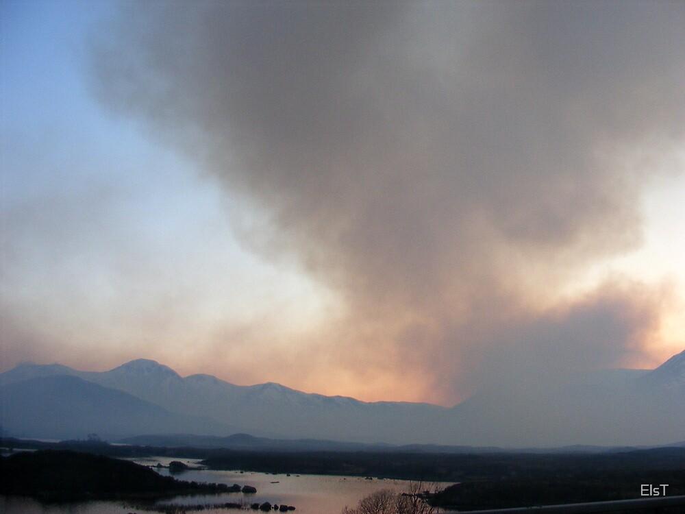 Grass Fire near Glencoe by ElsT