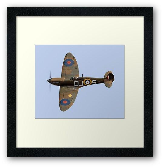 Spitfire Mk 1 R6596 QJ-S by Gary Eason