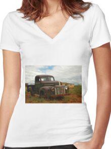Rattler Hideout Women's Fitted V-Neck T-Shirt