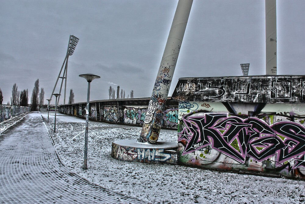 Mauerpark by James Hennman
