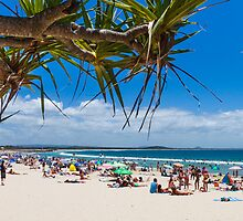 Noosa Main Beach by Martin Canning