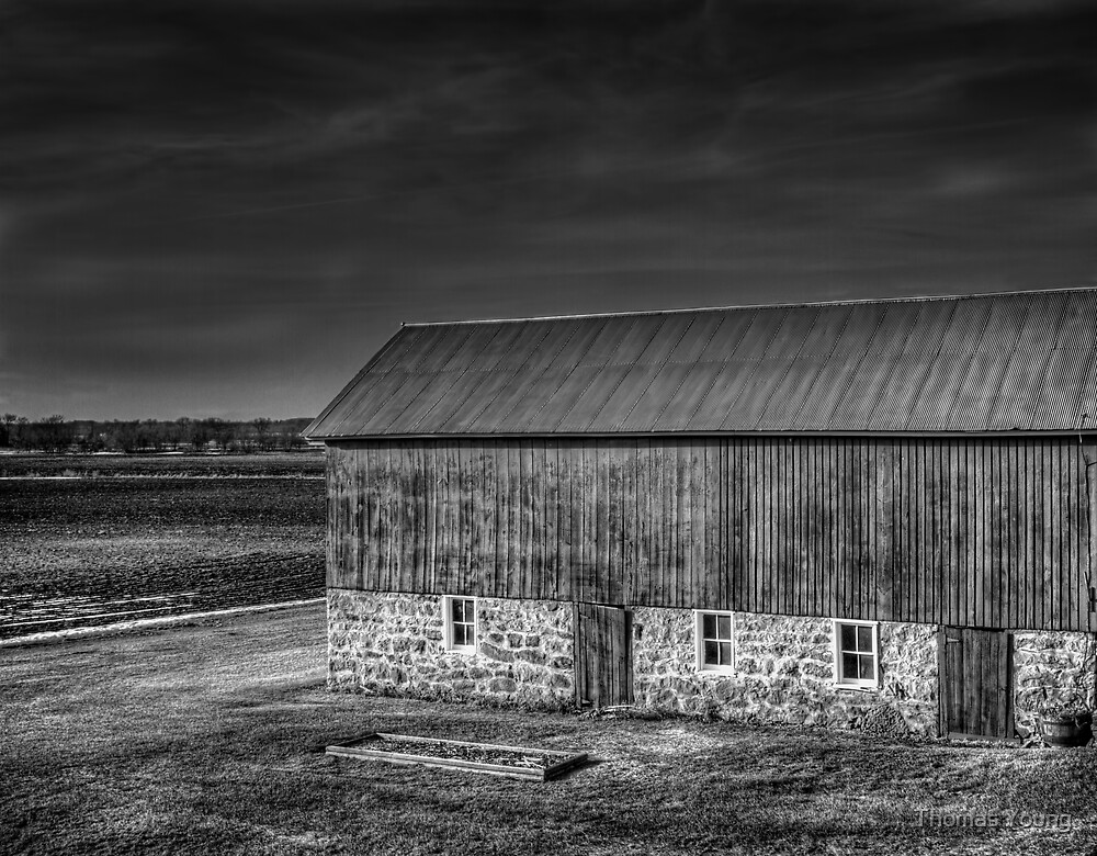 Black and White Barn   by Thomas Young