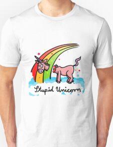 The stupid unicorn loses his head Unisex T-Shirt