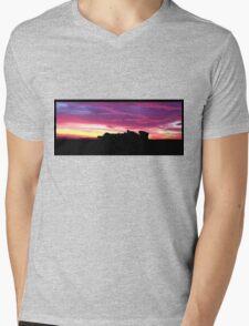 F1 Storm - panorama Mens V-Neck T-Shirt