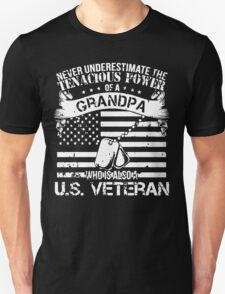 GRANDPA WHO IS ALSO A U.S. VETERAN T-Shirt