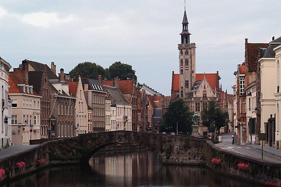 Early Morning in Brugge by Loree McComb