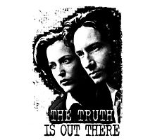 X-Files: The Truth is Out There (Mulder and Scully - Black) Photographic Print