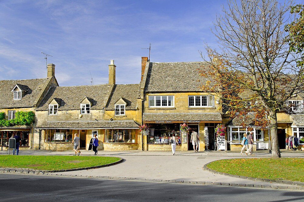 High Street Shops in Broadway, Gloucestershire by Rod Johnson