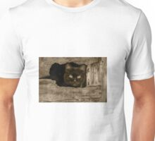 Cat with target eyes Unisex T-Shirt