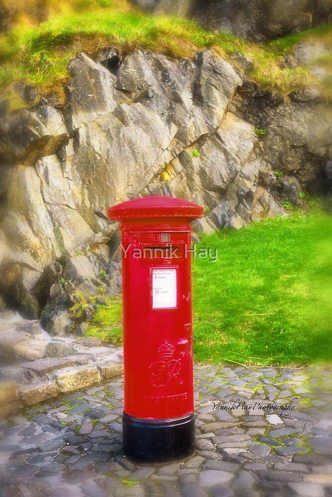 Mail for Henry (Edinburgh Castle, Scotland) by Yannik Hay