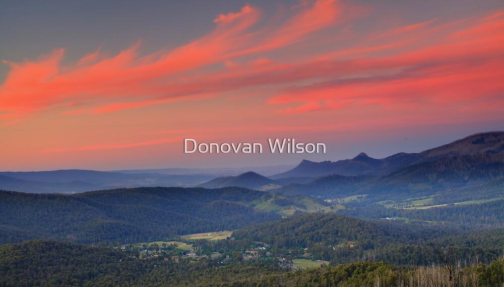 Keppels lookout .Marysville. by Donovan Wilson