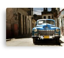 car in havana Canvas Print