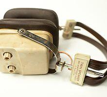 classic retro headphone by dubassy