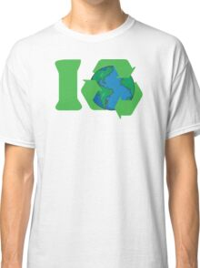 I Recycle Earth Day Classic T-Shirt