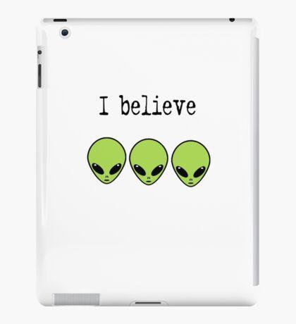 I Believe in Aliens iPad Case/Skin