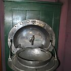 Old style wash basin at Freshwater station by sarbi