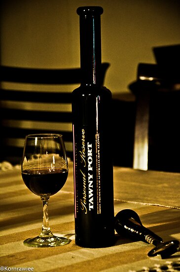 Happiness is ....sip nice wine among friends...:) Got 4 Featured Work by Kornrawiee