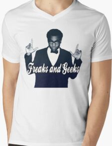 Freaks and Geeks Mens V-Neck T-Shirt