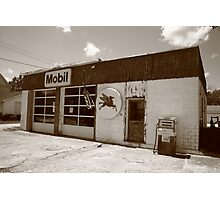 Route 66 - Rusty Mobil Station Photographic Print